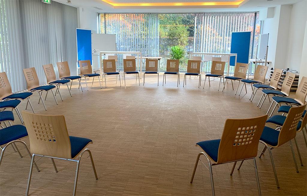Der Locinar Kreativraum - Stuhkreis mit bis zu 30 Personen